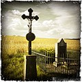 Kříž mezi Klučenicemi a Podskalím - panoramio.jpg