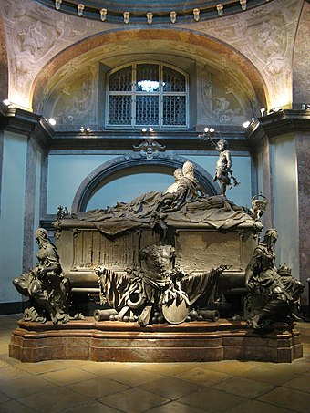 Maria Theresa and her husband are interred in the double tomb which she had inscribed as a widow. Kaisergruft 2286201074 fdea9c4cfa b.jpg