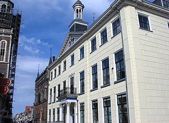 City Hall, Kampen - City Hall with older building in the background, today a museum