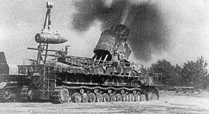 """Karl-Gerät - 600 mm Karl-Gerät """"Ziu"""" firing in Warsaw, August 1944."""