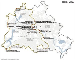 Berlin border crossings - Map showing the Berlin border and its crossing points.