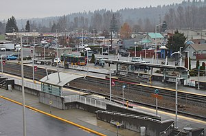Kent Station (Washington) platforms and bus bays.jpg