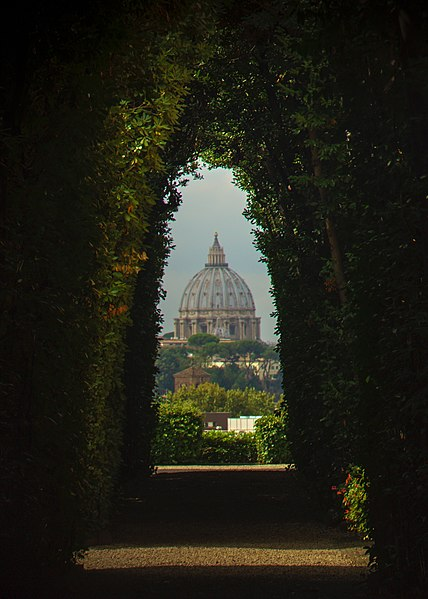 File:Knights of Malta Keyhole, Aventine Hill, Rome (cropped).jpg