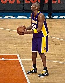 Kobe nella lunetta del tiro libero
