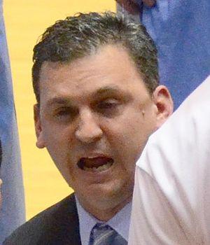 Kyle Smith (basketball) - Smith in 2012