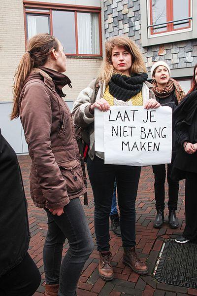 Bestand: Laat je niet bang maken bij bezoek Wilders Spijkenisse.jpg