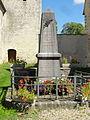 Labbeville (95), monument aux morts.JPG