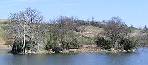 Arignano - Image: Lago arignano isola