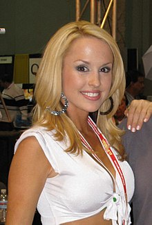 Lauren Brooke at an expo in 2008.jpg