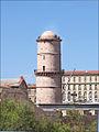 Le fort St Jean et la passerelle avec le MuCEM (Marseille) (7597467442).jpg