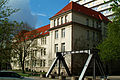 Leibniz Universität Hannover Callinstraße 34 Gebäude 3407 ehemalige Kaserne Portal der Eisenbahnbrücke Mittellandkanal Vinnhorst II.jpg