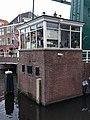 Leiden - Brugwachtershuisje bij Marebrug.jpg