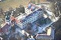 Letecký pohled na zámek v Benátkách nad Jizerou - panoramio.jpg
