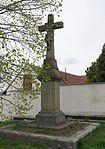 Lhánice - kříž z roku 1811.jpg