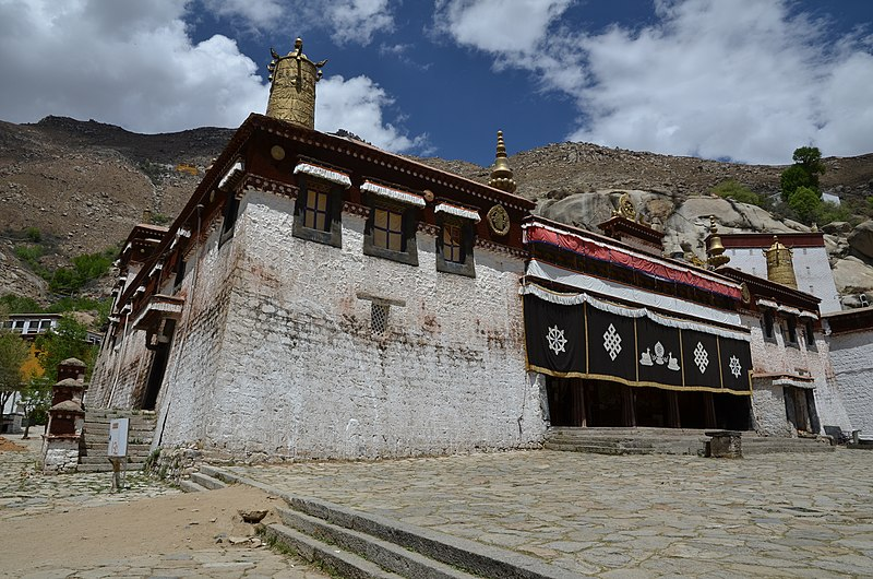 File:Lhasa - Sera Monastery - panoramio (1).jpg