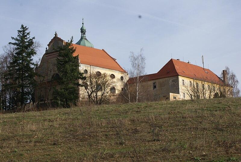 klášter Bosých Augustiánů ve Lnářích