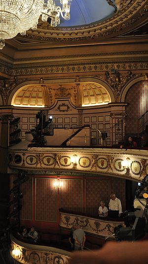 Queen's Theatre - Auditorium