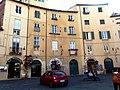 Lucca, Piazza dell'Anfiteatro (1).jpg