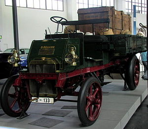 Büssing - 1903 Büssing ZU-550 truck on display in the Deutsches Museum, Munich
