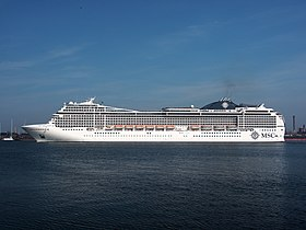 MSC Magnifica at IJmuiden sluisen, IMO 9387085, photo 2.JPG