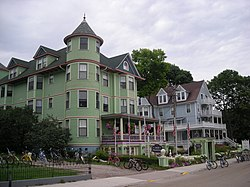 Mackinac Island July 2010 24 (hotels).JPG