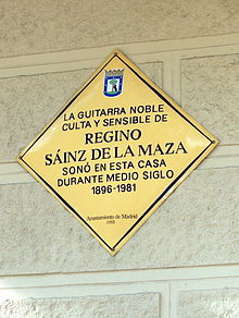 Placa commemorativa al carrer Goya de Madrid.