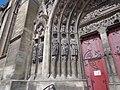 Meaux, Cathédrale, statues décapitées du portail du transept sud en 2014 (2).jpg