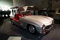 Mercedes-Benz 300SL 1955 Flügeltüren Gullwing Coupè RSideFront MBMuse 9June2013 (14797075767).jpg