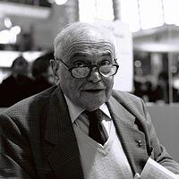 Michel Déon au salon du livre de Paris 2012.jpg
