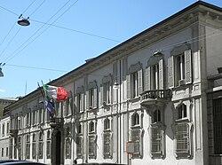 Milano - palazzo Isimbardi - facciata.jpg