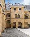 Millstatt Benediktinerstift Benediktiner Hof SW-Teilansicht 20042015 2302.jpg