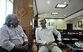 Ministro Aldo e o cacique Xavante, Arnaldo Tsererowe. (21743624463).jpg