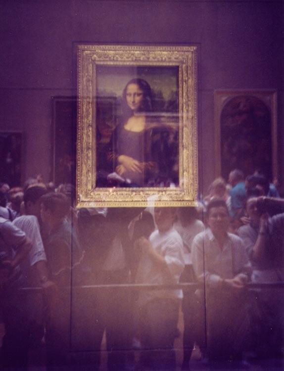 Mona-lisa-through-glass