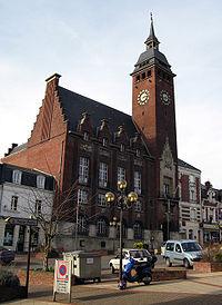 Montdidier Hôtel-de-ville 1.jpg