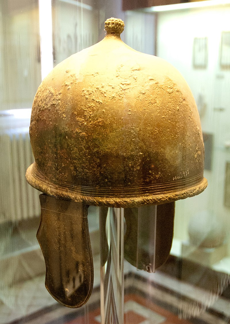Uchronies romaines. - Page 7 800px-Montefortino-Helm_A
