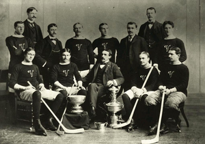 Montreal Victorias - Image: Montreal Victorias Hockey Club 1897