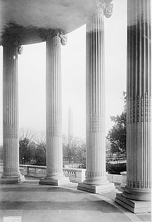 Memorial Continental Hall - Image: Monument thru colonnades of D.A.R