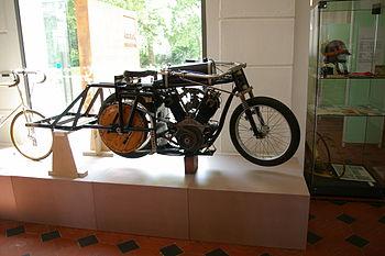 Motorrad-Steher01