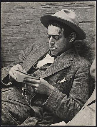 Arthur Putnam - Arthur Putnam with his sketchpad; photograph by Gabriel Moulin (1872-1945)
