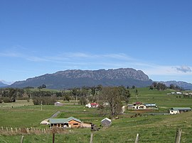 Mount Roland from lookout at Sheffield.jpg