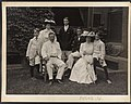 Mr. and Mrs. Theodore Roosevelt and children) - Pach Bros. N.Y LCCN2013651707.jpg