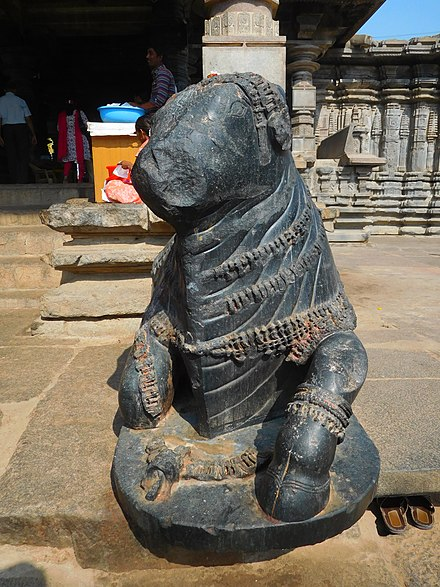 Sculpture of Nandi at Thousand Pillar Temple Nandi Thousand Pillar Temple.jpg
