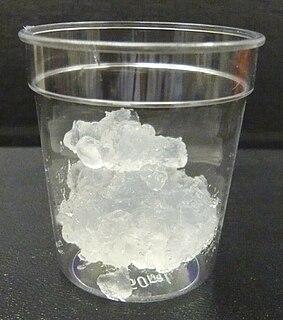 Nanocellulose material composed of nanosized cellulose fibrils