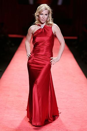 Natasha Bedingfield in the 2006 Red Dress Coll...