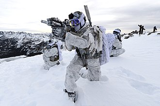 Cold-weather warfare - Image: Navy Seals Winter warfare at Mammoth Mountain, California, in December 2014