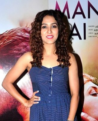 "Neeti Mohan - Mohan at the launch of T-Series' single ""Pyaar Manga Hai"", 2016"