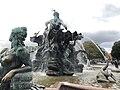 Neptunbrunnen 027.jpg