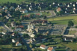 An aerial view of Neuvy