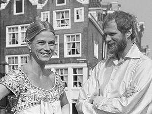 Nina van Pallandt - Nina and Frederik van Pallandt in Amsterdam (1967)
