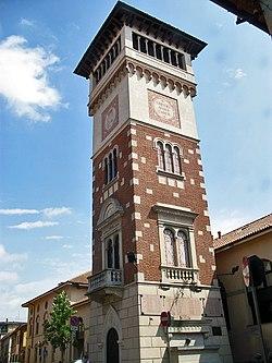 Origgio torre ai caduti.jpg